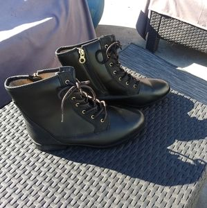 Sporto Wide Width Lace Up Ankle Boot S 8.5W